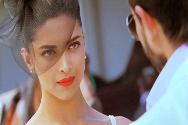 Deepika-Padukone-Hot-Race-2-pictures-1