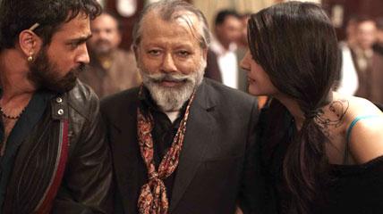 Matru-Ki-Bijlee-Ka-Mandola-Movie-Review-Bollywood-Review