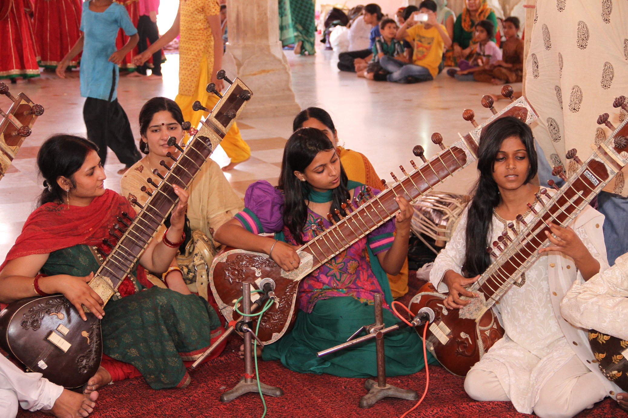 A Sitar Vadan performance by children, which they learnt during the Summer Camp.