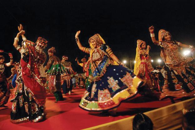 1314019663_241389613_16-Learn-Garba-Dandiya-Play-in-Navaratri-2011-