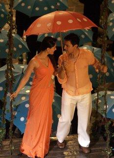 Kareena Kapoor, Aamir Khan in 3 Idiots