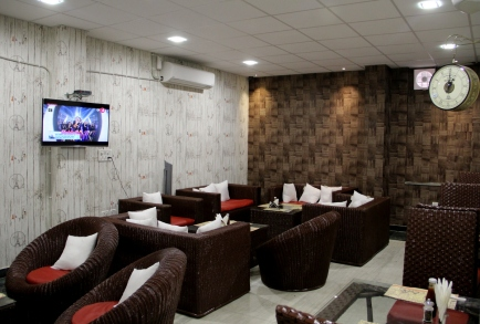 Lounge section at Bunkers bay