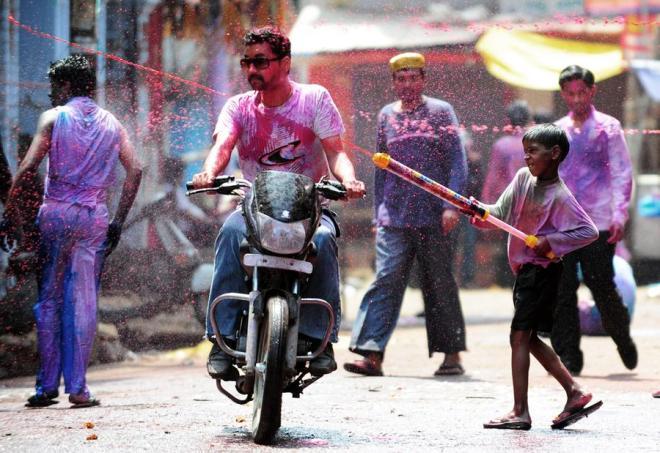 Holi - water balloons