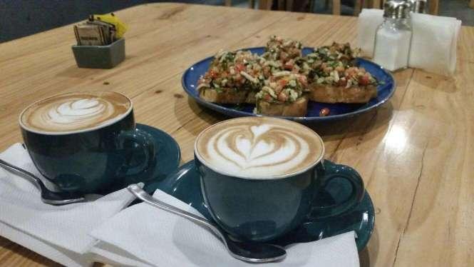 Curious Life - Coffee + Bruschetta