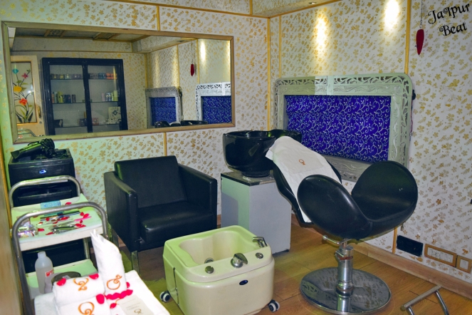 Salon in Palace on Wheels