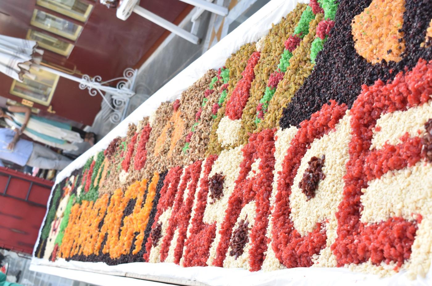 cake mixing_Rambagh.JPG