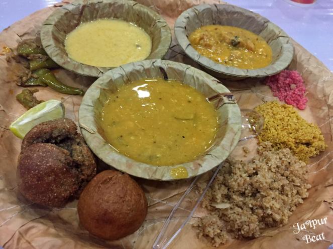 khole-ke-hanuman-dal-baati