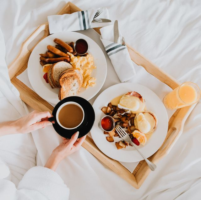 breakfast-in-bed-1583517547